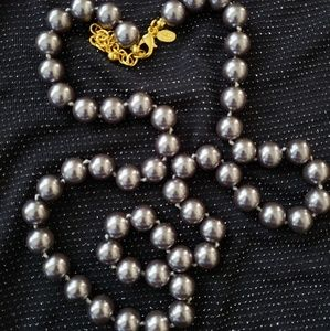 💕Joan Rivers Faux Grey Pearl Necklace
